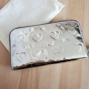 NWOT - Marc by Marc Jacobs Silver Heart Wallet